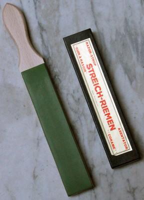 Stoßriemen Juchtenleder mit grüner Pastenseite & einer naturbelassenen Seite
