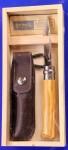 Opinel No 8 Olive in Holzgeschenkbox mit Etui